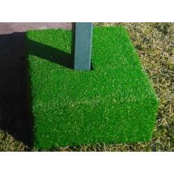 Protezione su misura in erba sintetica con supporto in legno